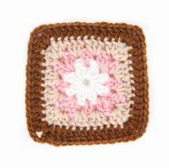 Granny Square of the Month: Snow Flower