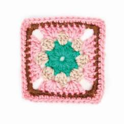 Granny Square Of The Month: Green Flower