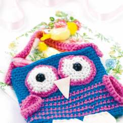 Simple crochet owl bag