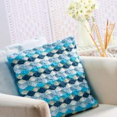 Fan-stitch crochet cushion