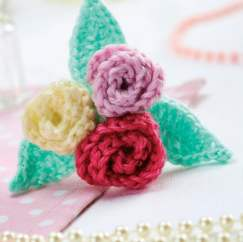 Rose crochet flower brooch