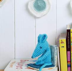Crochet mice bookends