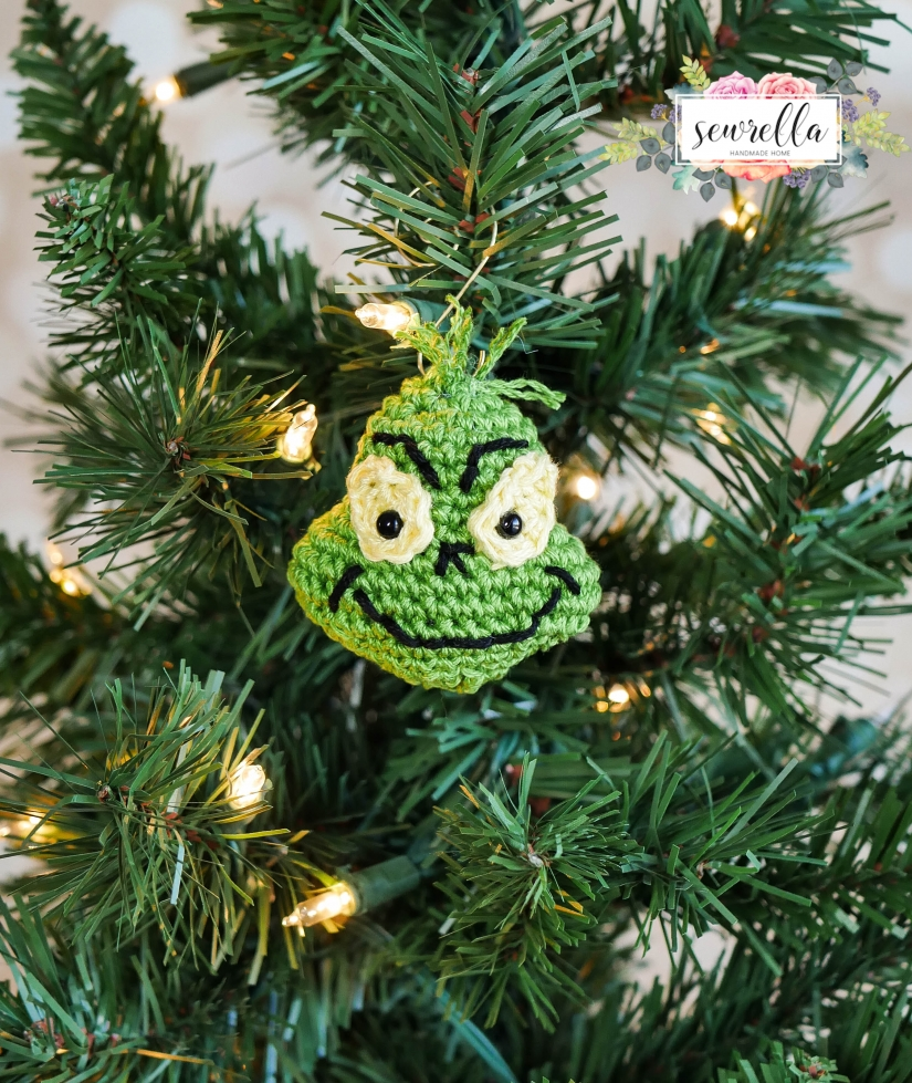 15 FREE Christmas Decoration Crochet Patterns