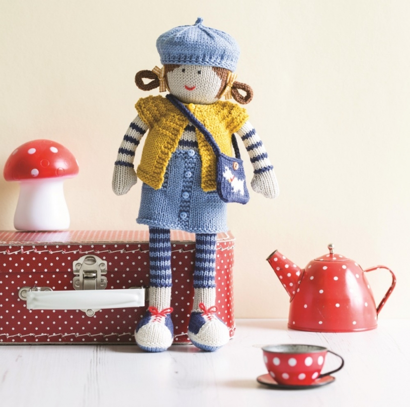 Jane Doll: Her Beret & Bag