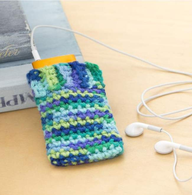 8 Easy Crochet Projects to Do With Kids