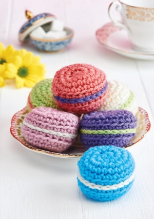 Cute Macarons Pattern