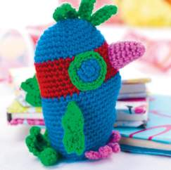 Double crochet stitch parrot toy