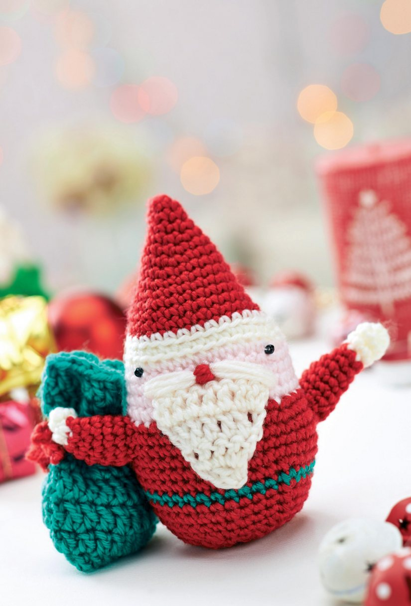 Crochet Father Christmas toy