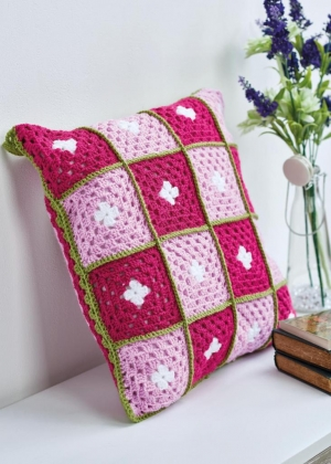 Floral Granny Square Cushion Pattern