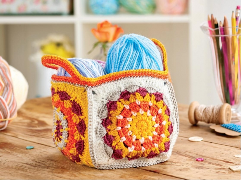 Granny square caddy