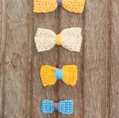 Mini crochet bows