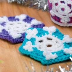 Snowflake crochet coaster set