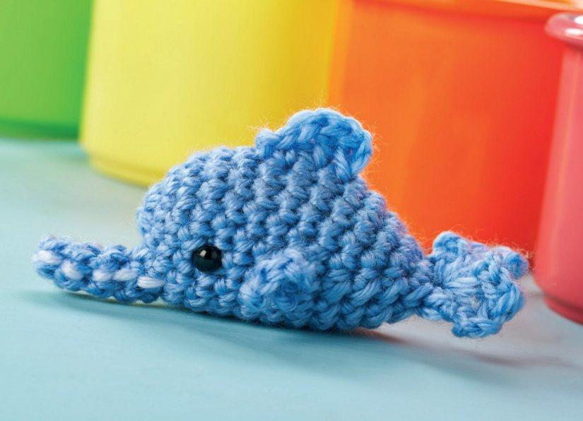 Crochet Dress Pattern For American Girl Doll : Amigurumi dolphin Crochet Pattern