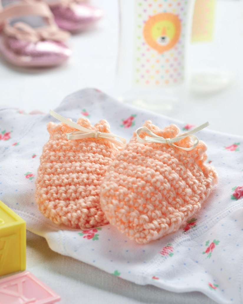 Crochet Pattern For Newborn Baby Sweater : 100s free crochet patterns : Page 1