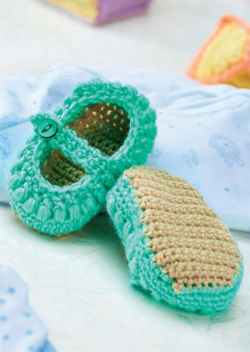 Mary-Jane crochet baby shoes