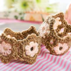 Flower crochet cuffs