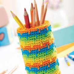 Spike stitch crochet pencil pot