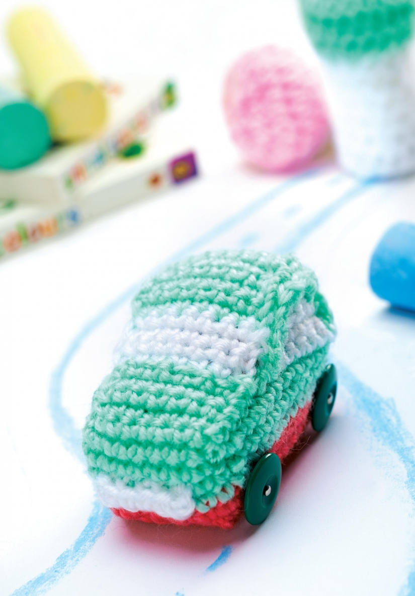 Crochet toy car