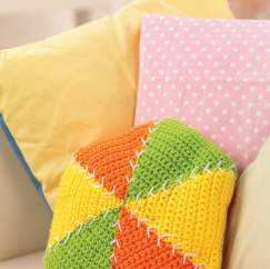 Triangle scatter crochet cushion