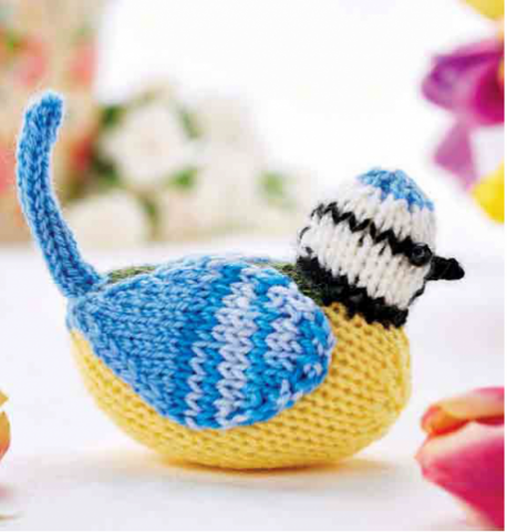 http://www.letsknit.co.uk/free-knitting-patterns/albie-the-blue-tit