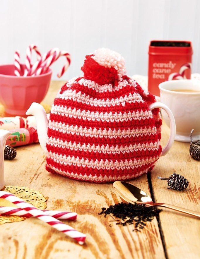 https://www.topcrochetpatterns.com/free-crochet-patterns/christmas-tea-cosy