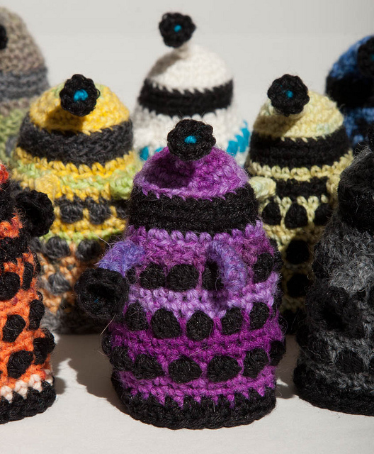 Free Baby Blanket Knitting Patterns Chunky Yarn : 10 FREE Doctor Who Patterns For Mega Fans Top Crochet Pattern Blog