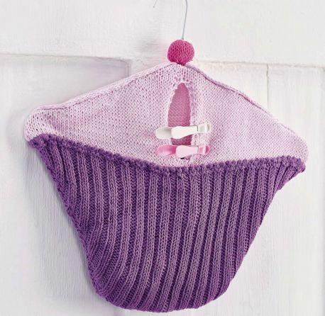 https://www.letsknit.co.uk/free-knitting-patterns/cake-peg-bag