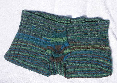 Free Crochet Pattern Mens Underwear : 21 Men in Woolly Shorts You Can t Un-See Top Crochet ...