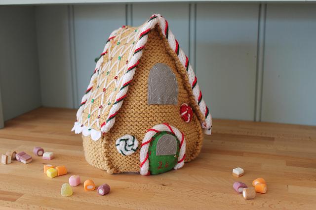 10 Amazing Handmade Gingerbread Houses