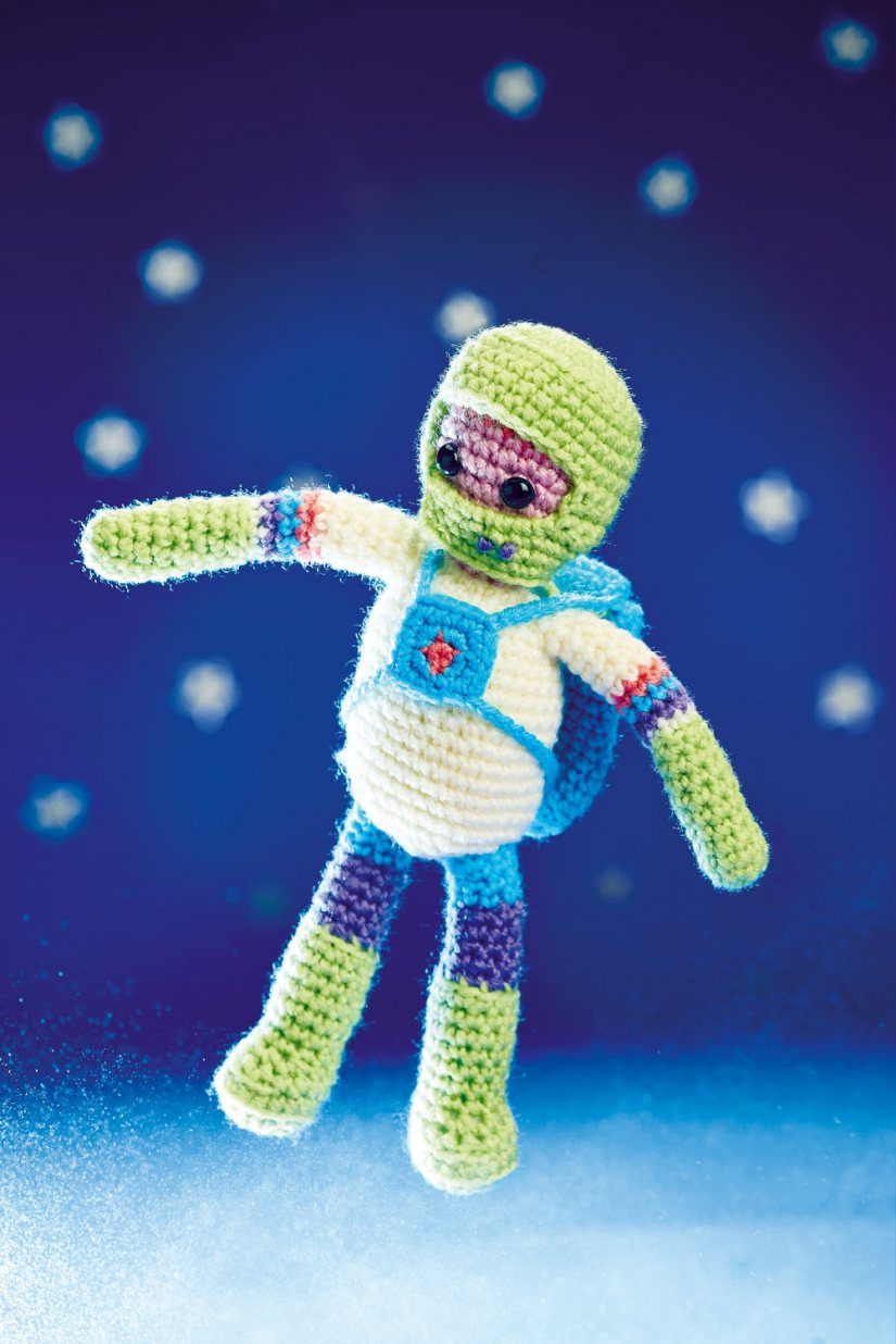 https://www.topcrochetpatterns.com/free-crochet-patterns/lost-in-space-arlo-the-astronaut