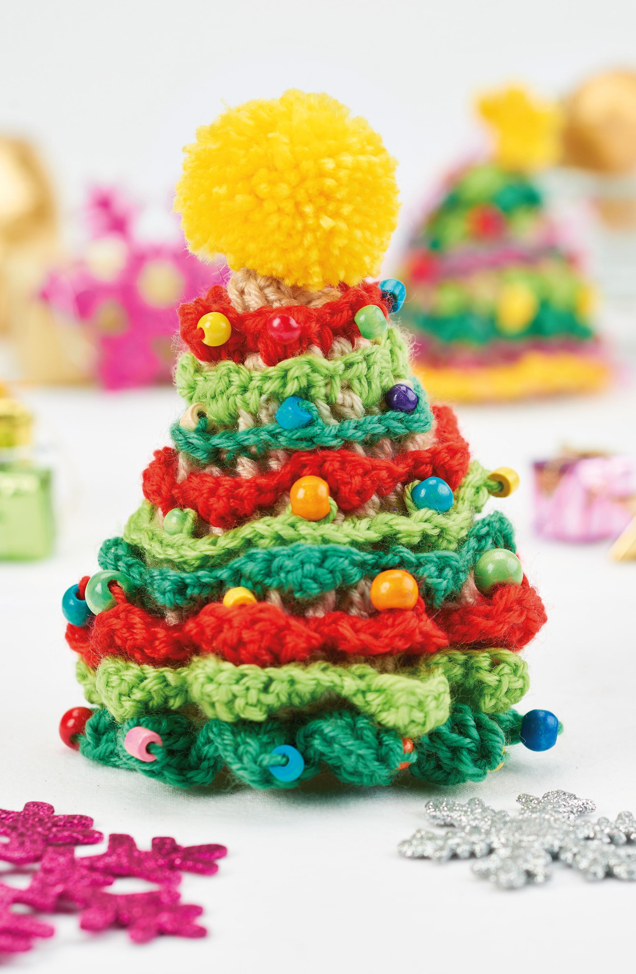 Crochet Patterns Xmas Tree Decorations : Christmas tree decorations Crochet Pattern