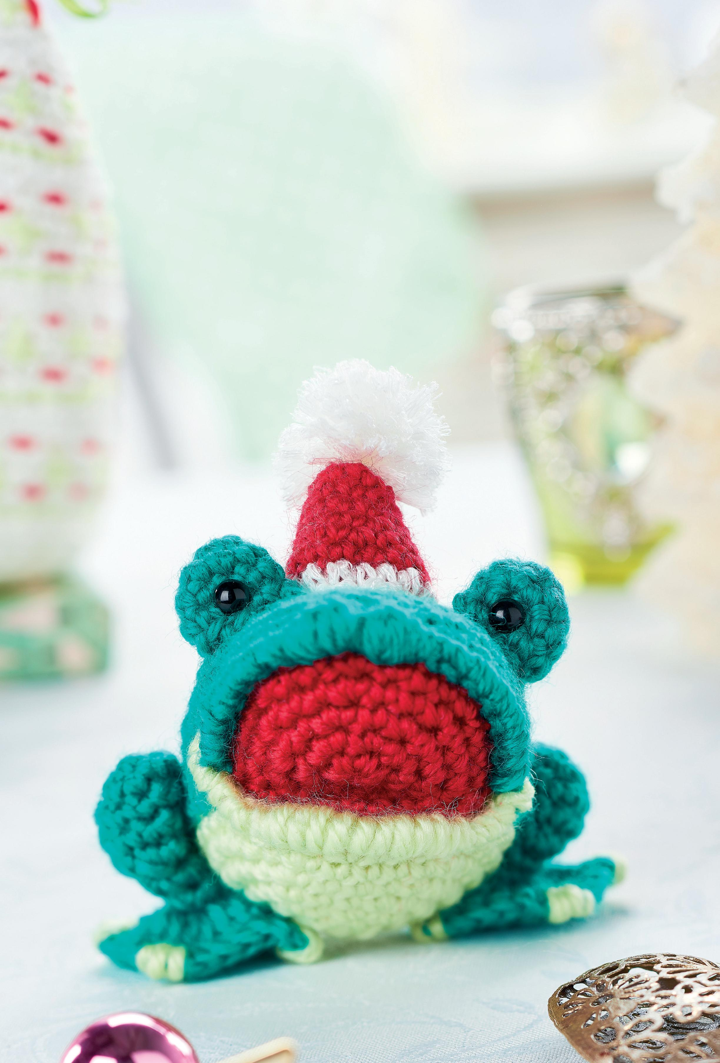 Amigurumi Free Patterns Blog : Amigurumi Christmas frog Crochet Pattern