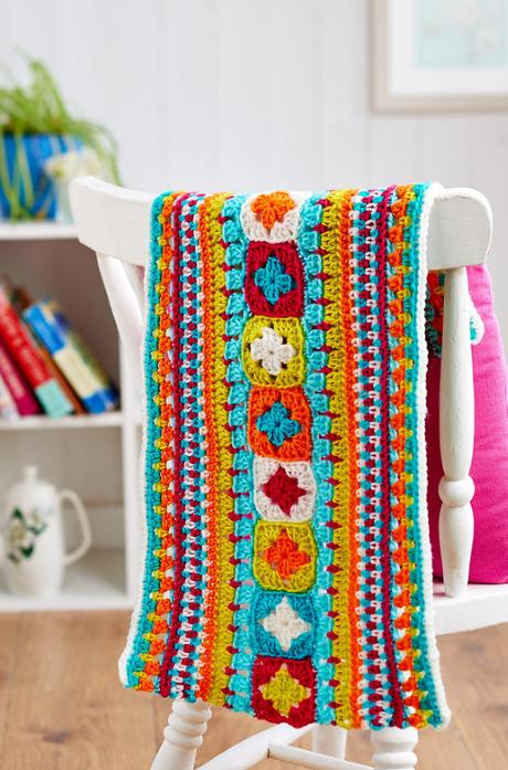 Free Crochet Pattern For Granny Square Sampler : Purple wheel granny square Crochet Pattern