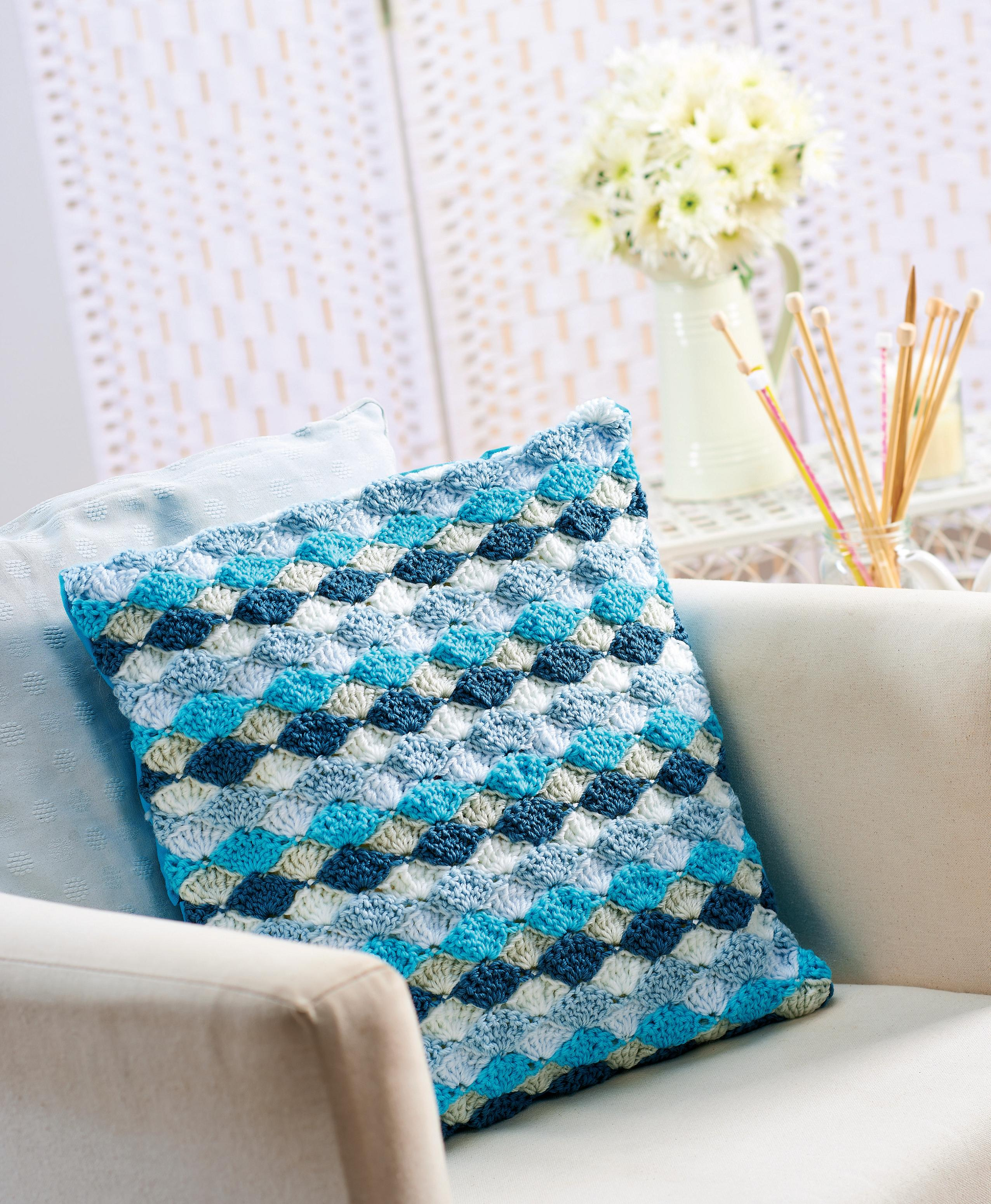 Fan Stitch Crochet Cushion Crochet Pattern