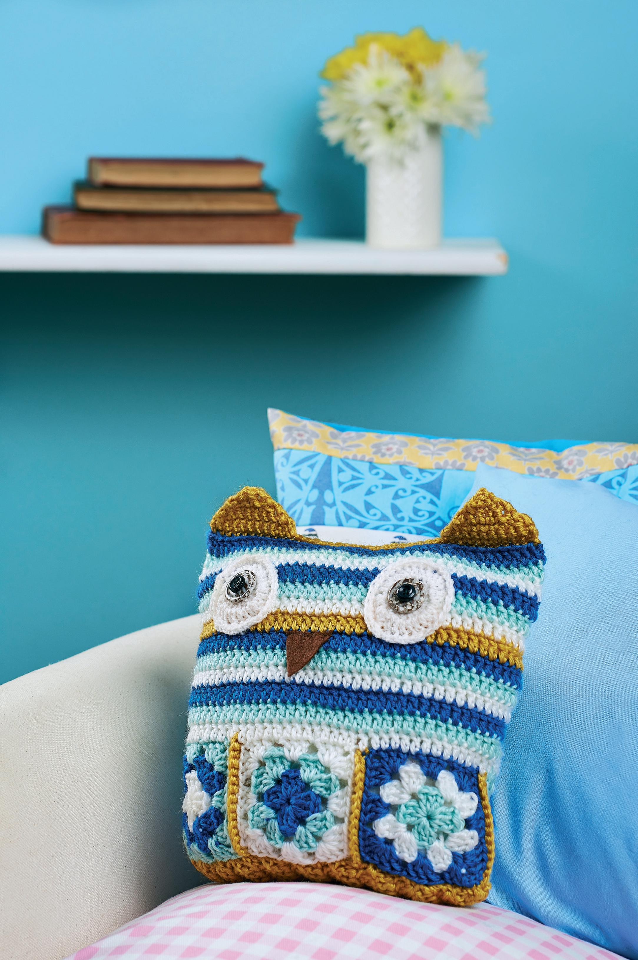 Free Crochet Owl Cushion Pillow Pattern : Crochet owl cushion Crochet Pattern