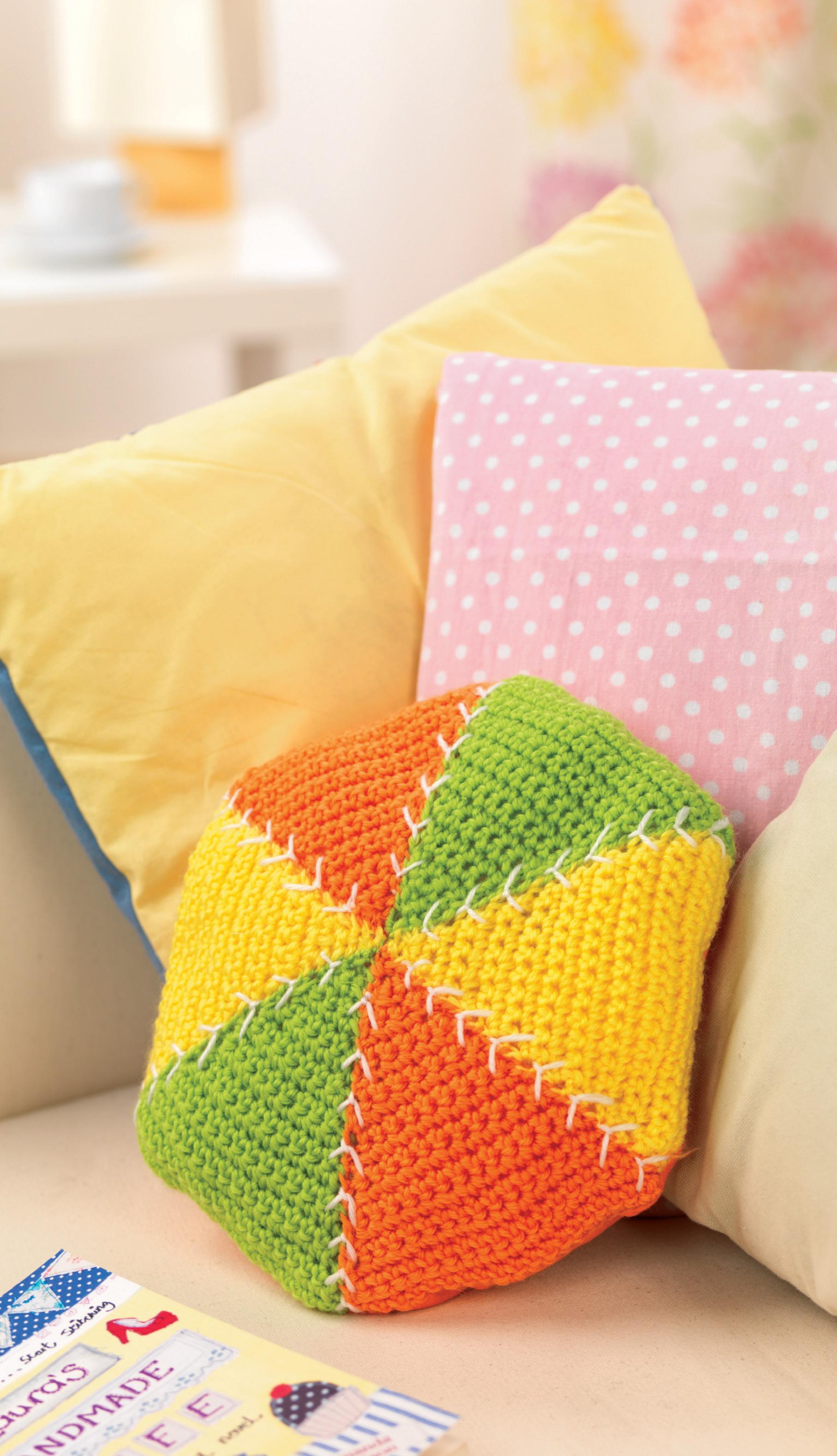triangle scatter crochet cushion crochet pattern